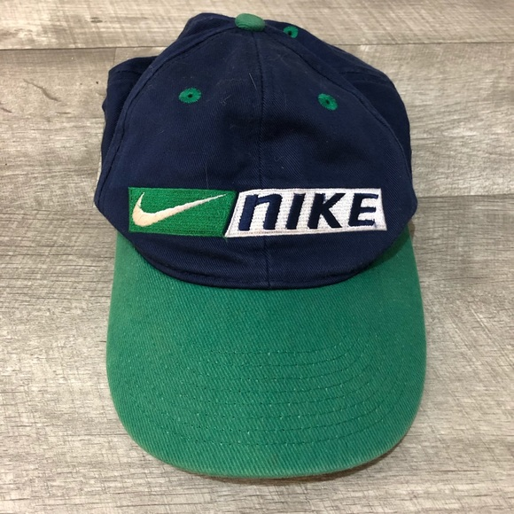 f41e41ec85838c Nike Vintage 90s Snapback Red Tag Hat. M 5c4a66bc4ab633f63ad7a3c9